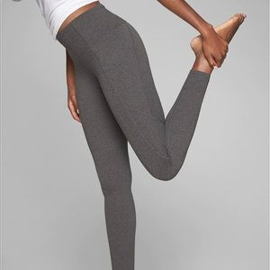 Athleta Stash Pocket 7/8 Tight in Powervita